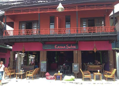 Ficherman's village is a very amino day or in the evening the whole family can enjoy the old Koh Samui with many restaurants and other Karma Sutra with Laurent and Simon so you can enjoy Thai and French dishes, the reception is very relax and you can meet sometimes people known resorts ..