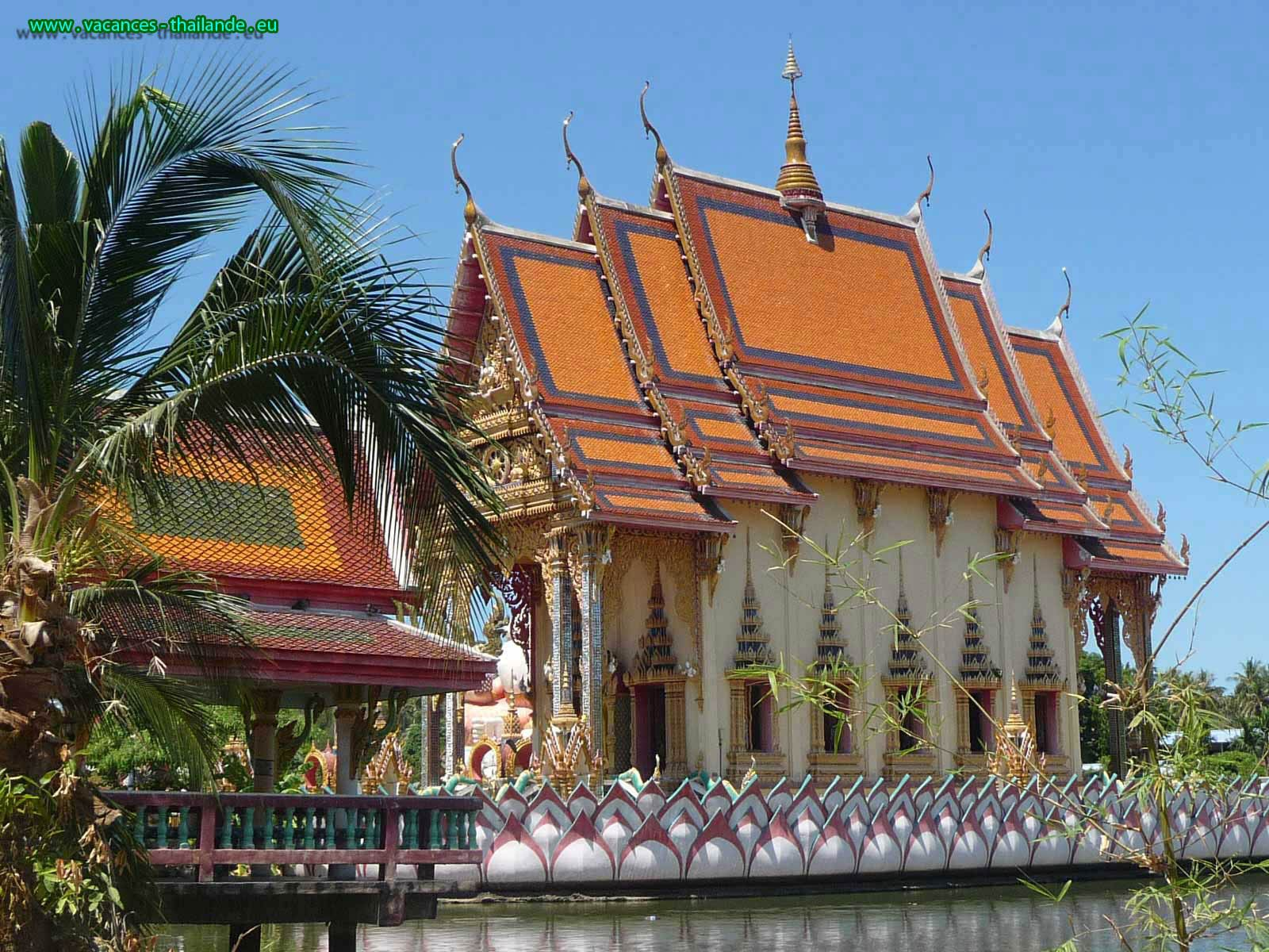 the beautiful Buddhist temples throughout the island of Koh Samui and in all thailand