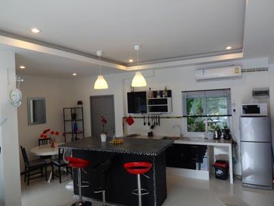location prix pas cher de nos villas et maisons climatis es et ventil es avec piscine sur. Black Bedroom Furniture Sets. Home Design Ideas